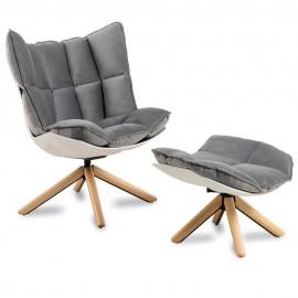 Replika av Design fåtölj Husk Armchair med fotstöd av den magnifika designern Patricia Urquiola