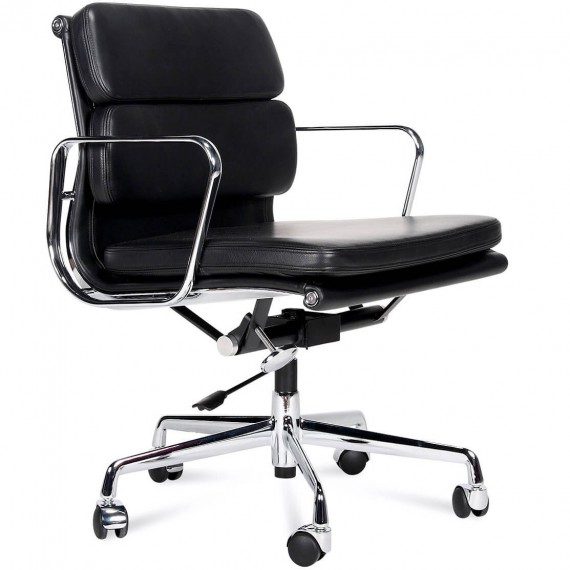 Inspiration Soft Pad Chair EA217 von Charles & Ray Eames.