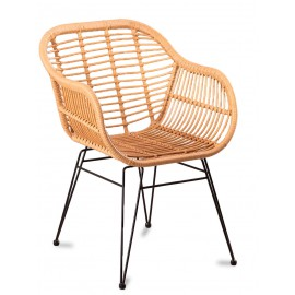Le Midi Stuhl mit Armlehnen in Rattan perfekt für den Außenbereich