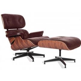 Replika fotela Eames Lounge z tłoczonej skóry w stylu vintage.