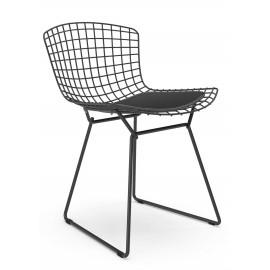 Replika krzesła metalowego Bertoia z czarnej stali w industrialnym stylu słynnego projektanta Hans J. Wegner