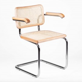 Replica van de Cesca Chair met armleuningen van ontwerper Marcel Breuer