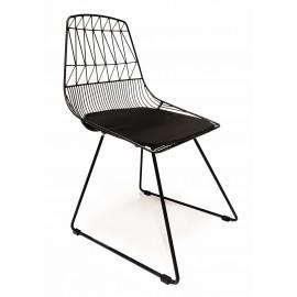 Letní kovová židle vhodná pro venkovní použití