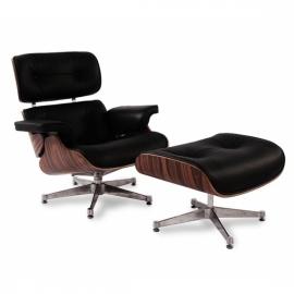 Replica van de Eames fauteuil in kunstleer en chromen onderstel van Charles & Ray